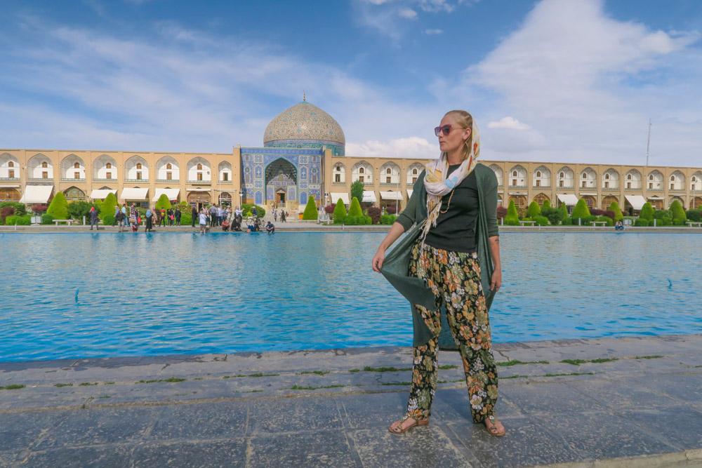 Iran-dress-code