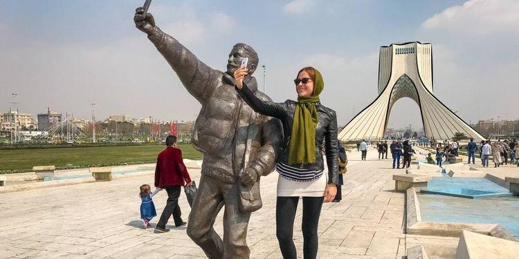 female-travelers-iran