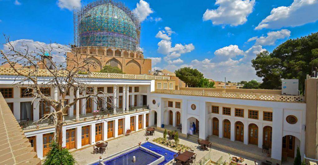 Isfahan-traditional-hotel